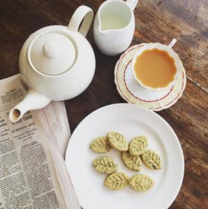 Jane Green Tea Time